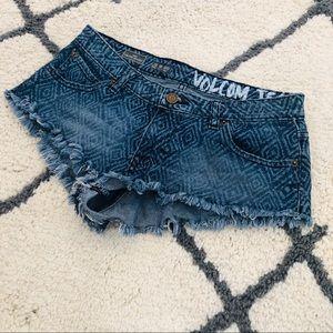 Volcom yae micro shorts size 3